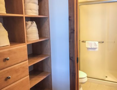 Walk In Closet/Master Bath