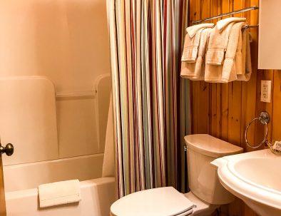 Pinebluff Bath